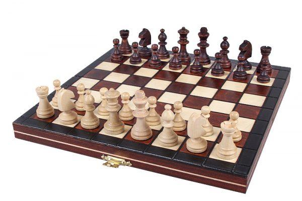 1 Set de sah magnetic cu tabla si piese de lemn