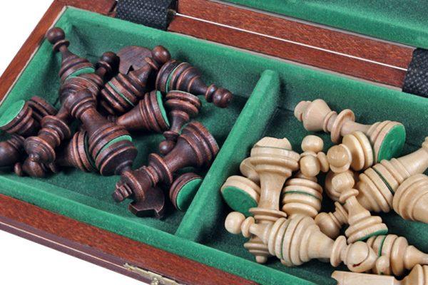 3 Set de sah magnetic cu tabla si piese de lemn