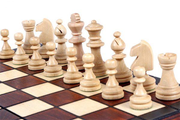 5 Set de sah magnetic cu tabla si piese de lemn