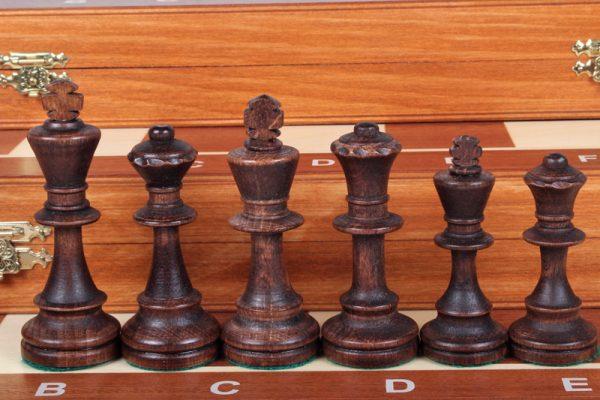 7 Set piese de sah din lemn nr 6 in cutie de lemn cu organizator