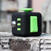 Fidget cube negru-verde
